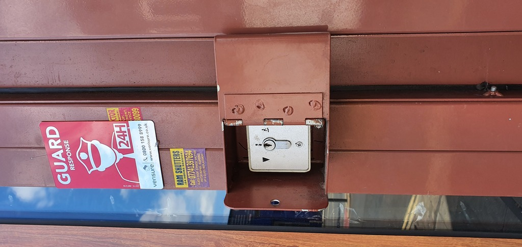 Electric Shutter box opened