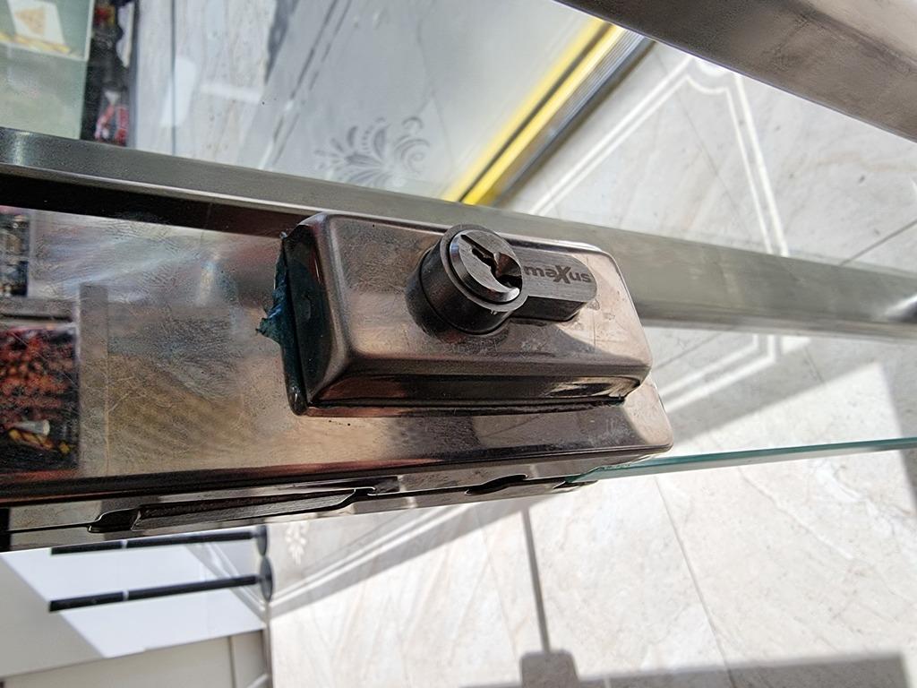 Shop lock picked